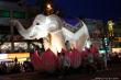 十万個の蓮花の燈で輝きうねるソウル鐘路の夜